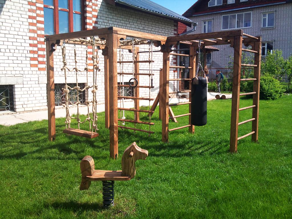 Детская площадка своими руками возле своего дома